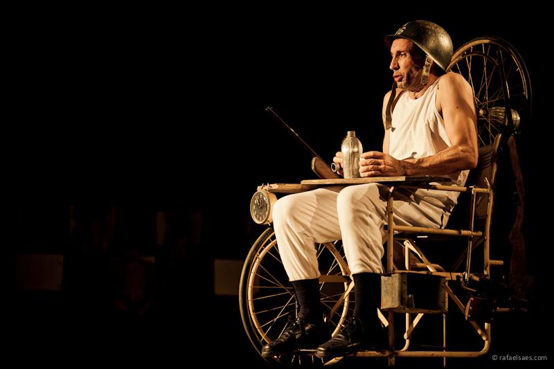 Histórias de Família - AMOK Teatro. (foto: Rafael Saes).: