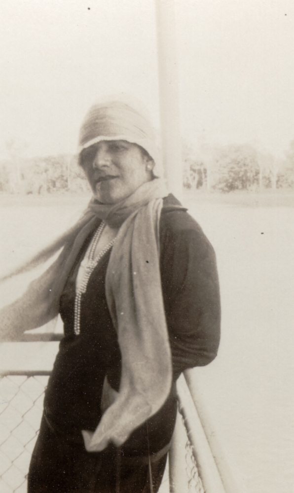 """Figura 11 – """"Nossa Senhora no Madeira/ 4-Julho-1927"""" (notação no verso). Acervo do Instituto de Estudos Brasileiros da Universidade de São Paulo."""