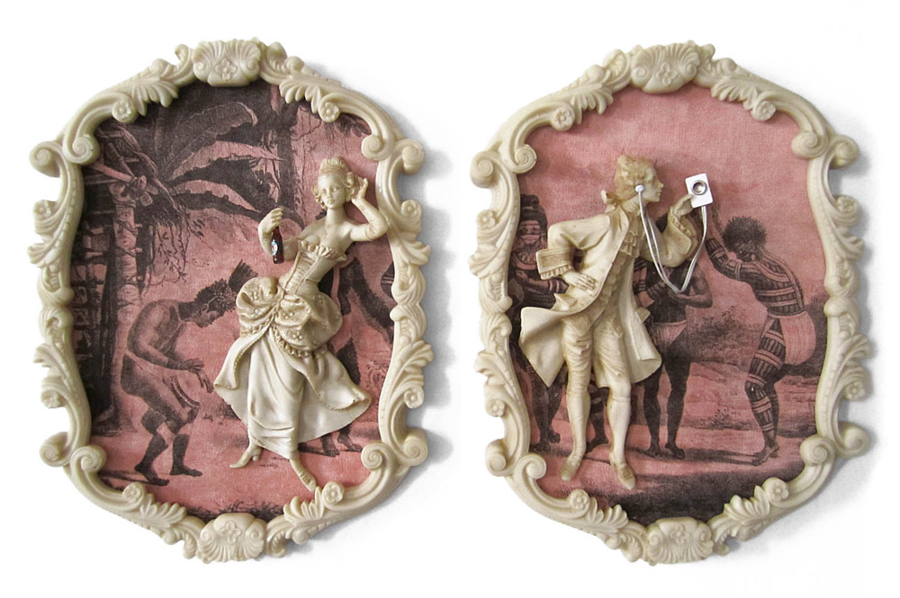 Suite Debretienne, 2013 | 24 (L) x 32 (A) X 3 (P) cm cada peça (díptico) | antigo bibelô de resina, plástico, metal e impressão sobre veludo